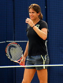 Amelie_Mauresmo_at_the_Aegon_Championships_2014