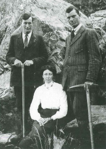 Freda and guides 1910